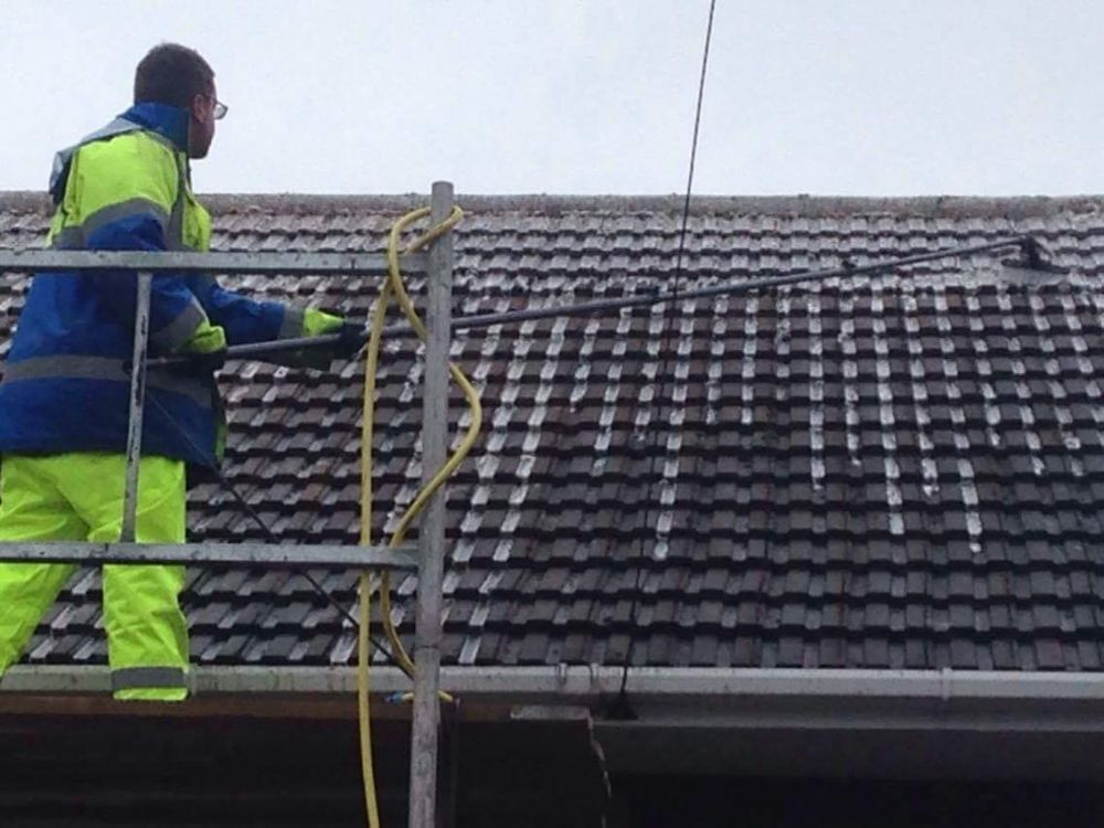 Roof Cleaners Gloucester
