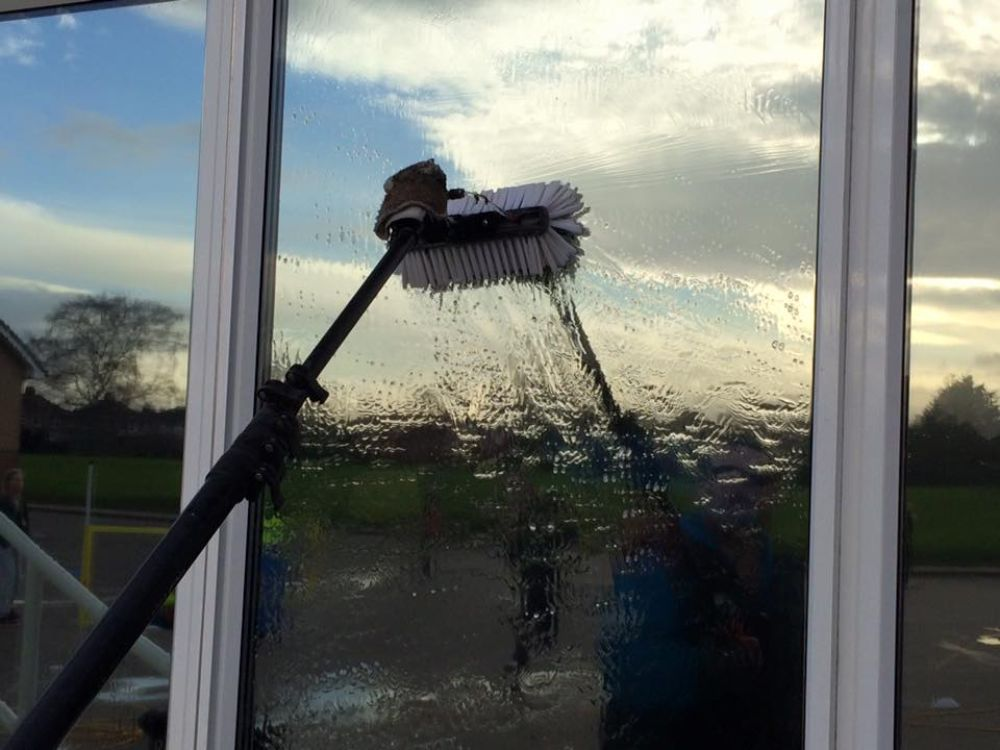 window-cleaning-gloucester-gloucestershire